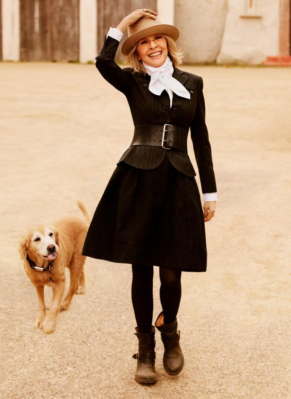 Diane Keaton lives with her daughter and son in Los Angeles.