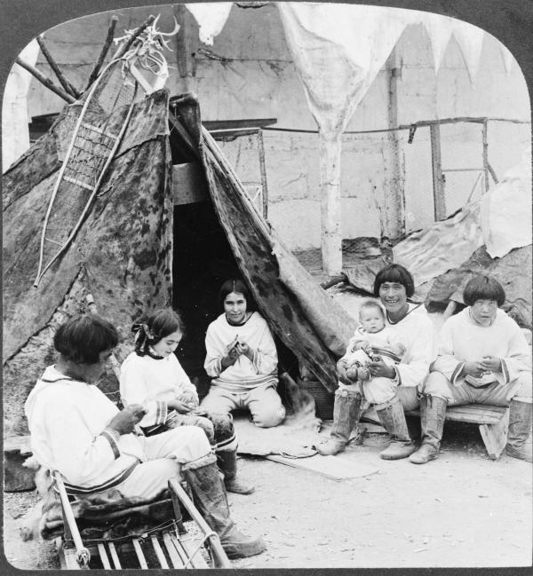 A picturesque group in the Eskimo village, World's Fair, St. Louis, Mo.