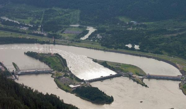 A new climate report projects reductions in hydropower of up to 20 percent by 2080.