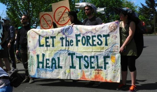 Opponents of the Jazz timber sale protested outside Mt. Hood National Forest Headquarters today.