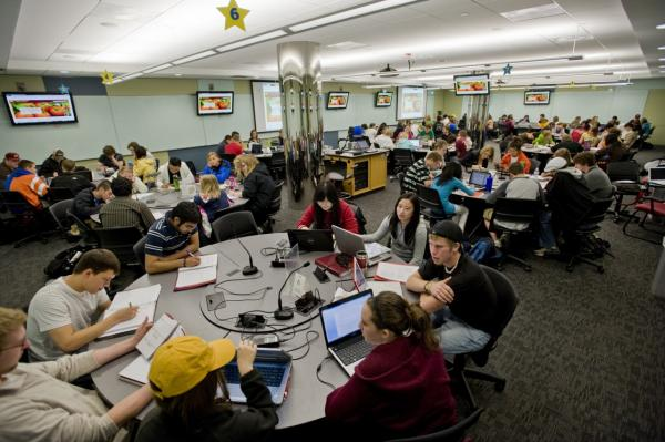 A pilot active learning classroom at the University of Minnesota is pictured in May 2010. (Copyright © 2014 Regents of the University of Minnesota. Photographs used with permission.)