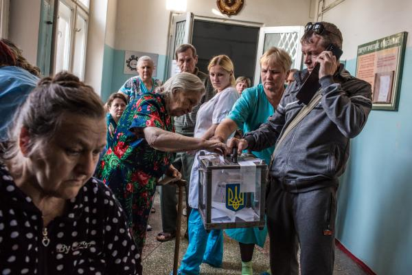 Patients at a hospital cast ballots in a referendum on Sunday in Mariupol, Ukraine.