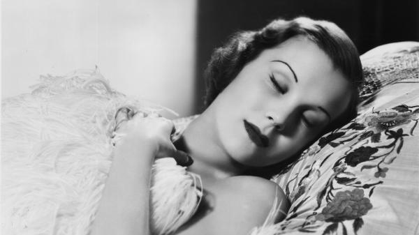 Actress Joan Gardner was a beautiful sleeper. But she probably wasn't a lucid dreamer. The ability is quite rare.