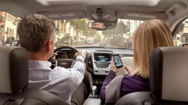 General Motors says its OnStar 4G LTE connection will allow cars to act as a mobile Internet hub.