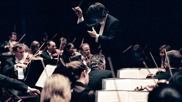 Kent Nagano leads the Montreal Symphony Orchestra in an ambitious program that traces the arc of the symphonic tradition.