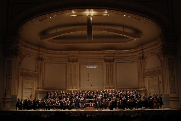 Nearly 200 musicians filled the Carnegie Hall stage for Steven Stucky's dramatic oratorio.