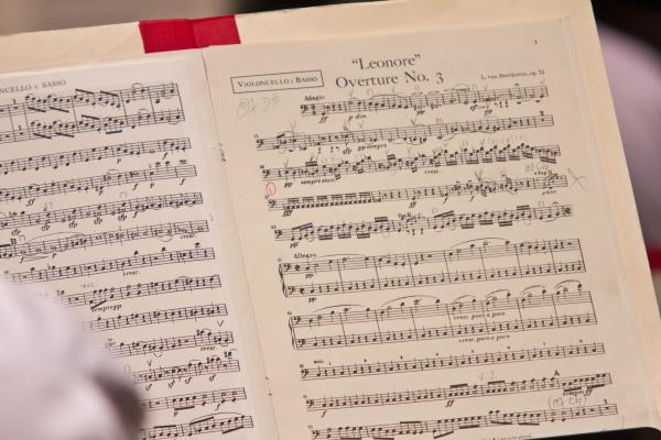 The all-Beethoven concert began with the <em>Leonore</em> Overture No. 3.