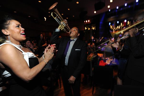Wynton Marsalis (center) on the floor at Dizzy's Club Coca-Cola.
