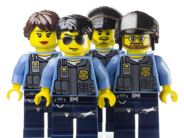 An Australian detective says a recent string of Lego thefts sounds like the work of organized criminals.