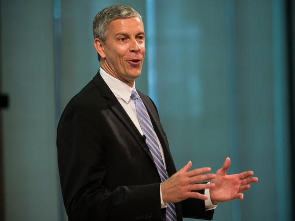 U.S. Education Secretary Arne Duncan says states must ensure progress for students with disabilities.