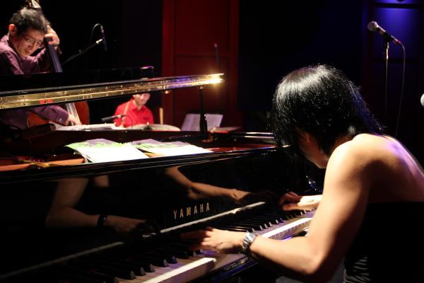 The Chihiro Yamanaka trio is Yoshi Waki, bass; Ferenc Nemeth, drums; Yamanaka, piano.