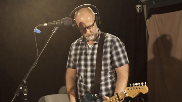 "Bob Mould performs ""The Descent"" live at WFUV in New York City."