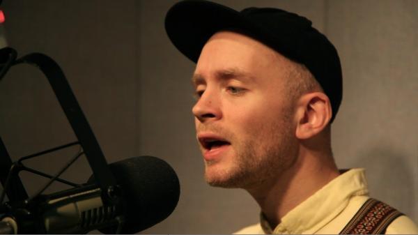 Jens Lekman performs on opbmusic.org.