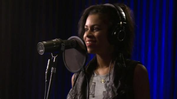AlunaGeorge on KCRW.