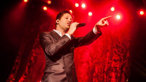 Mayer Hawthorne performs live for KCRW.