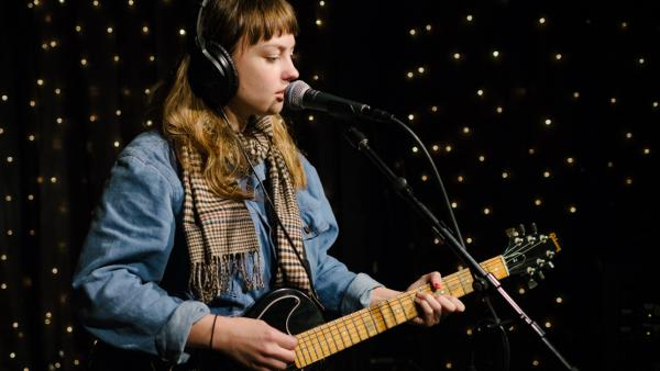 Angel Olsen Performing Live in the KEXP studios.