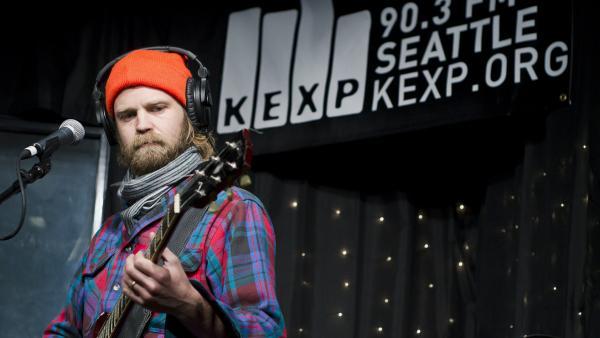 Pontiak performs live in the KEXP studios.