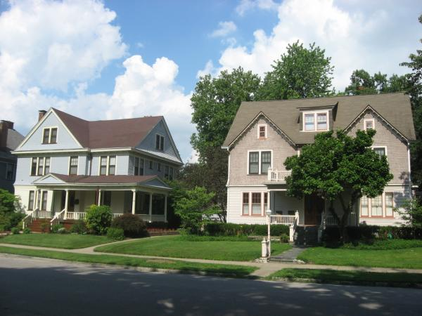 Houses on the eastern side of the 2200 block of N. Ninth Street in Terre Haute, Indiana, United States. (commons.wikimedia.org)