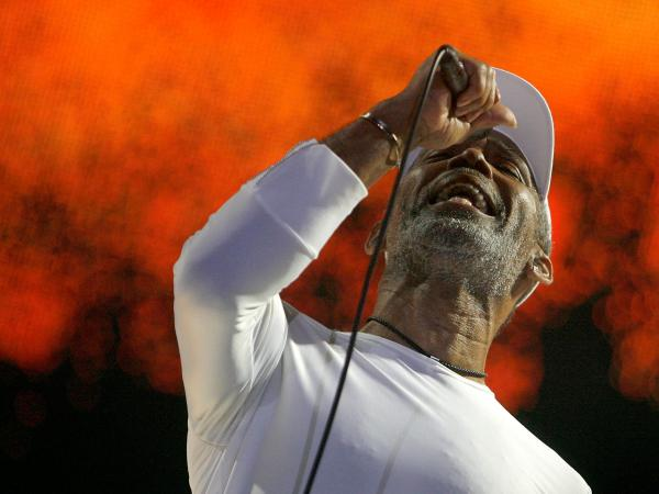 Maze featuring Frankie Beverly, performing at the Essence Music Festival at the Louisiana Superdome in 2008.