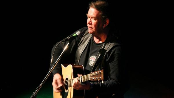 Scottish musician Dick Gaughan is featured on this week's show.