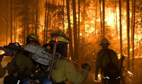 Fires continue to rage through tinder-dry wildlands in Oregon, Washington and California