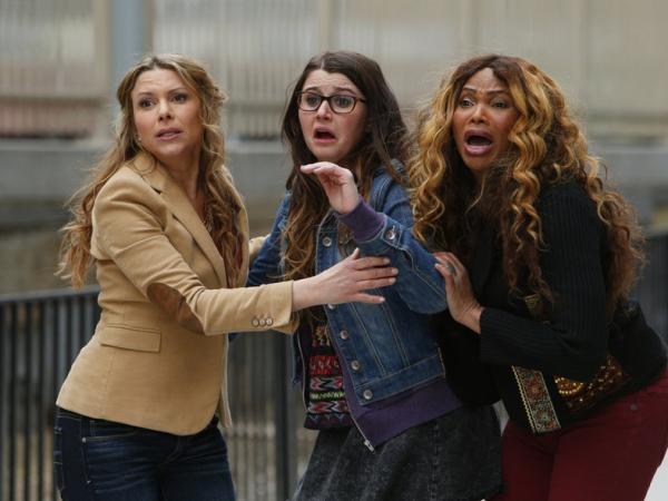 "Kari Wuhrer as Ellen Brody, Courtney Baxter as Mora Brody, and Sandra ""Pepa"" Denton as a character even the captioners don't know the name of. I'm not sure she had one."