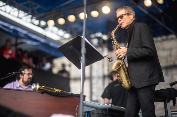 Saxophonist David Sanborn and organist Joey DeFrancesco performed tunes from their recent album <em>Enjoy the View</em>.