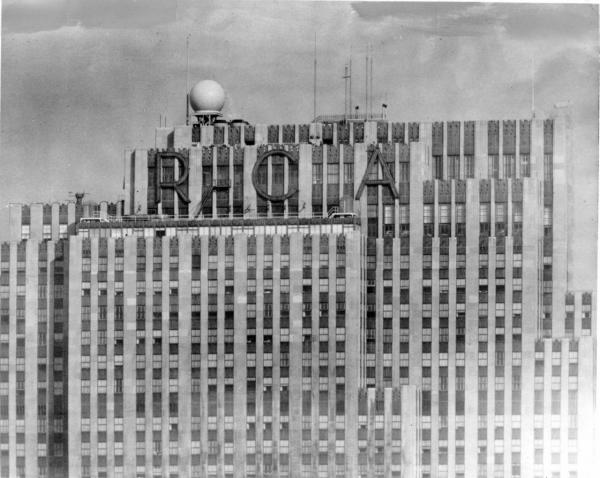 The RCA building at 30 Rockefeller Plaza sporting the RCA sign. (Wikimedia Commons)