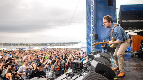 You're looking at Taylor Goldsmith of Dawes. But about 50 feet in front of him is a dude who <em>will not shut up</em>.