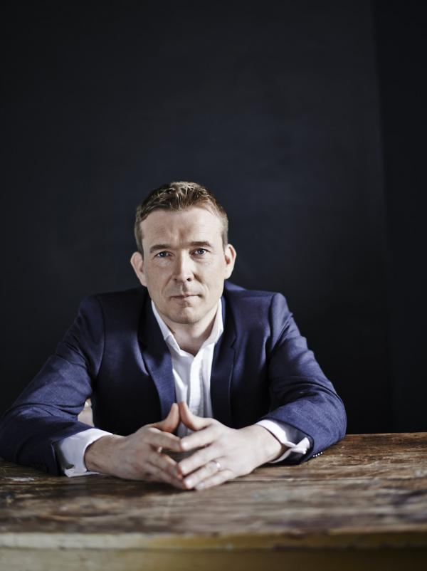 David Mitchell's previous books include <em>The Thousand Autumns of Jacob de Zoet</em> and <em>Cloud Atlas</em>.