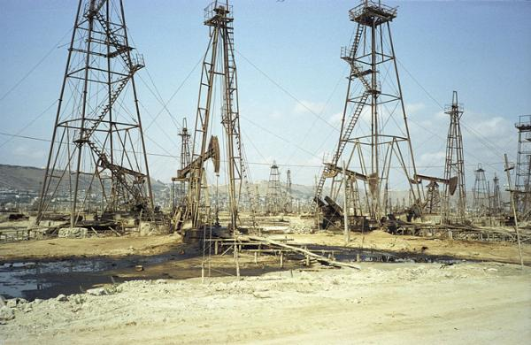 Peter Cusack's sound recordings took him to the old oil fields of Azerbaijan. (Peter Cusack/sounds-from-dangerous-places.org)