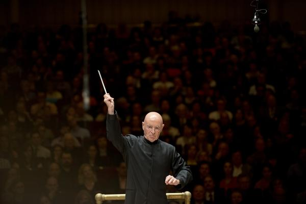 The performance, which was presented as a tribute to the NSO's late leader, conductor and cellist Mstislav Rostropovich, opened with Rodion Shchedrin's <em>Slava, Slava</em>: an brilliant and clangorous 5-minute piece that features tubular bells.