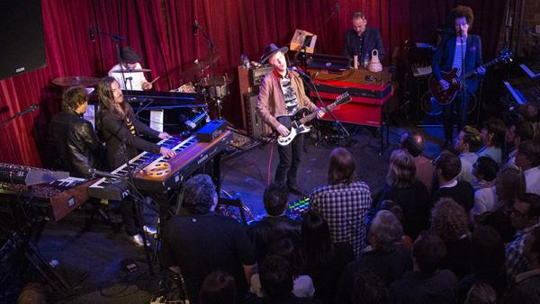 Beck performs live at Apogee Studios.