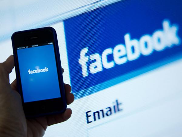 Mobile devices are key to Facebook's growth potential. Can it deliver?