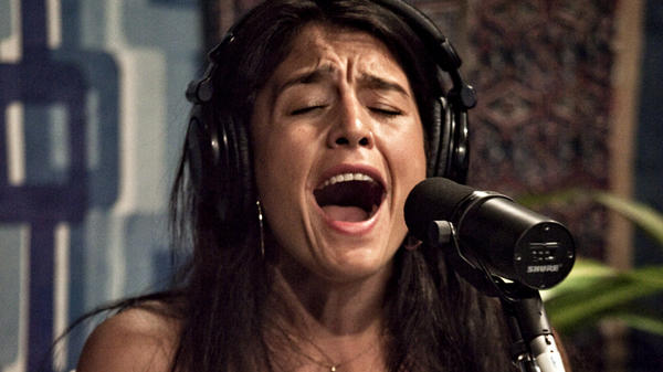 Jessie Ware performs live on KCRW.