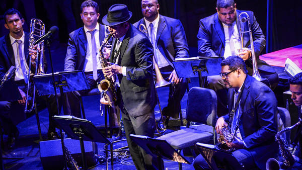 The SpokFrevo Orquestra is led by the saxophonist known as Maestro Spok.