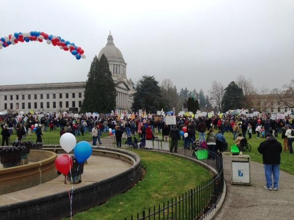 File photo. Several hundred gun rights advocates rallying at the Washington Capitol in January 2013.