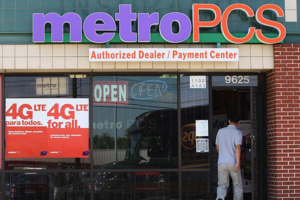 Startup Better Finance is offering lease-to-own programs for high-end smartphones. But some customers say that retail stores, such as MetroPCS, aren't always clear about the lease terms up front.