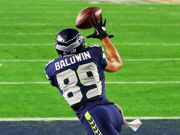 Doug Baldwin catches a 3-yard touchdown pass in the third quarter.