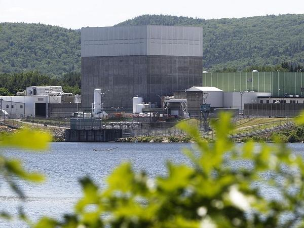 The radioactive isotope Strontium-90 has been found in ground water at the Vermont Yankee nuclear plant in Vernon. The levels found do not pose an immediate public health risk, according to both the Vermont Health Department and Entergy.