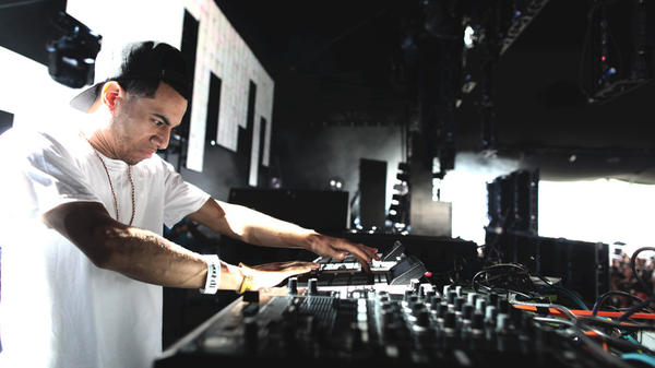 AraabMuzik at work.