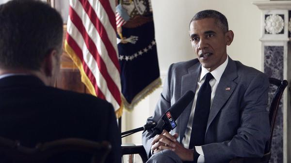 NPR's <em>Morning Edition</em> host Steve Inskeep interviews President Obama at the White House on Monday.