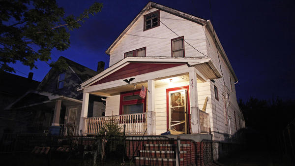 <strong>House of horrors:</strong> The exterior of the Cleveland house where Amanda Berry, Gina DeJesus and Michelle Knight were held captive.