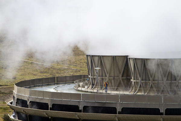Federal regulators are questioning an evacuation plan change at the Columbia Generating Station in southeast Washington state.