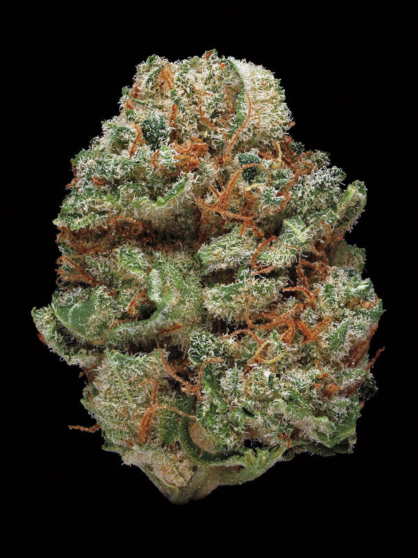 Blue Kush. Smell/taste: floral, berry, spicy. Common effects: body buzz, relaxed, alert. Top medicinal uses: pain and muscle tension.