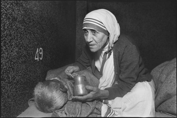 Mother Teresa at the Kalighat Home for the Dying Destitutes, Mother Teresa's Missions of Charity, Kolkata, India, 1980