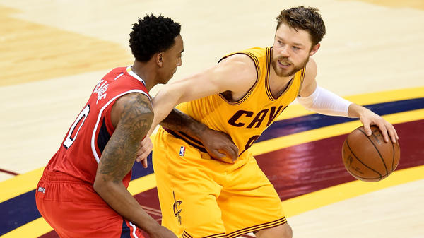 Matthew Dellavedova (right) of the Cleveland Cavaliers handles the ball against Jeff Teague of the Atlanta Hawks in the Eastern Conference finals last month.