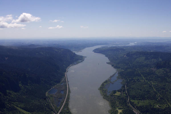 <p>An aerial view of the Columbia River. </p>