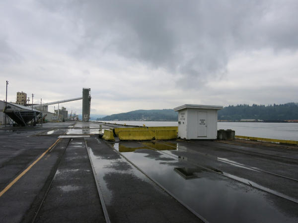 <p>The Port of Longview, Washington, could become the site of the first oil refinery on the West Coast in 25 years. The project would handle 45,000 barrels per day, two-thirds of which would be petroleum-based products and the rest of which would be biofuels.</p>