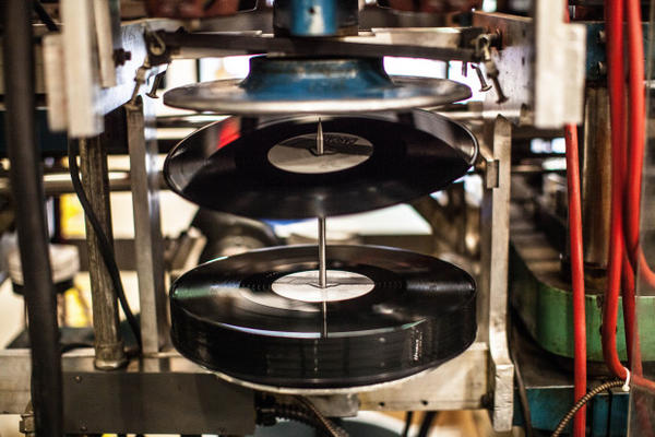 Oregon Company Finds Its Groove In Vinyl Jefferson